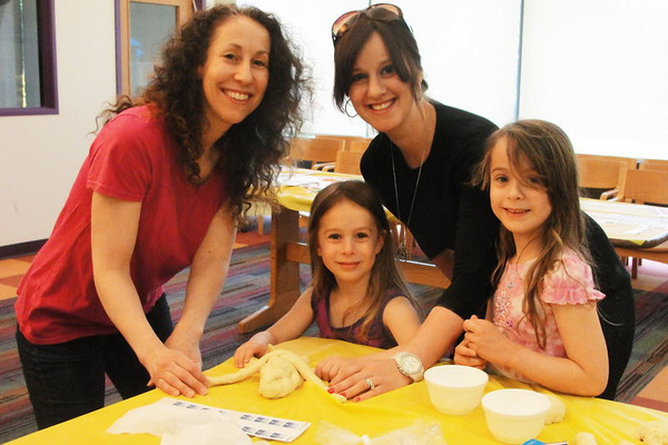 Families at Adat Shalom